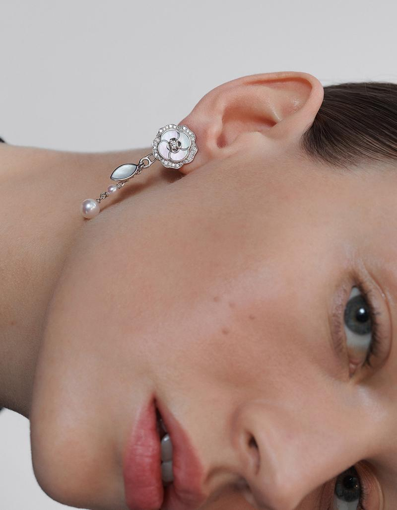 model with CAMÉLIA earrings in gold, diamonds, mother-of-pearl and pearls look 1 option 2