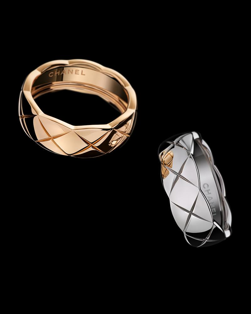 Still-life visual of COCO CRUSH rings in 18K BEIGE GOLD and 18K white gold* – Zut